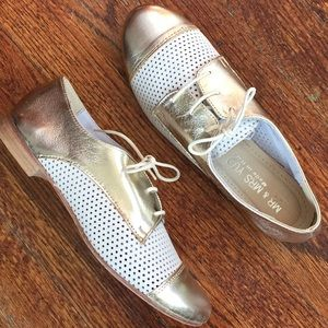 Shoes - Gold & white leather shoes made in Italy
